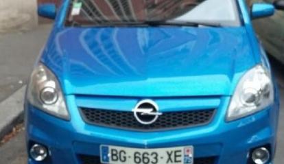 Opel Zafira OPC 2.0 L 2006