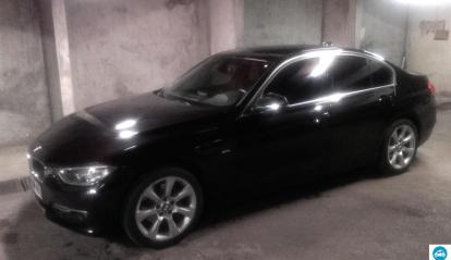 BMW Série 3 320d Luxury 2012