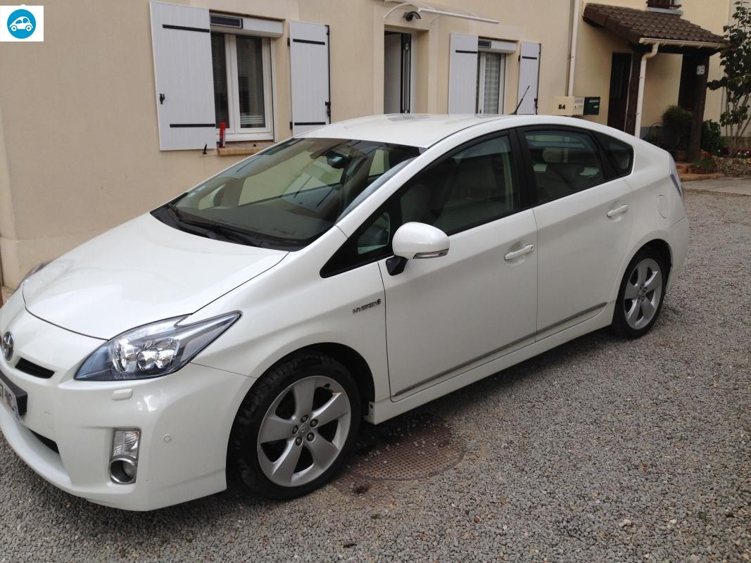 achat toyota prius lounge 2011 d 39 occasion pas cher 13 500. Black Bedroom Furniture Sets. Home Design Ideas