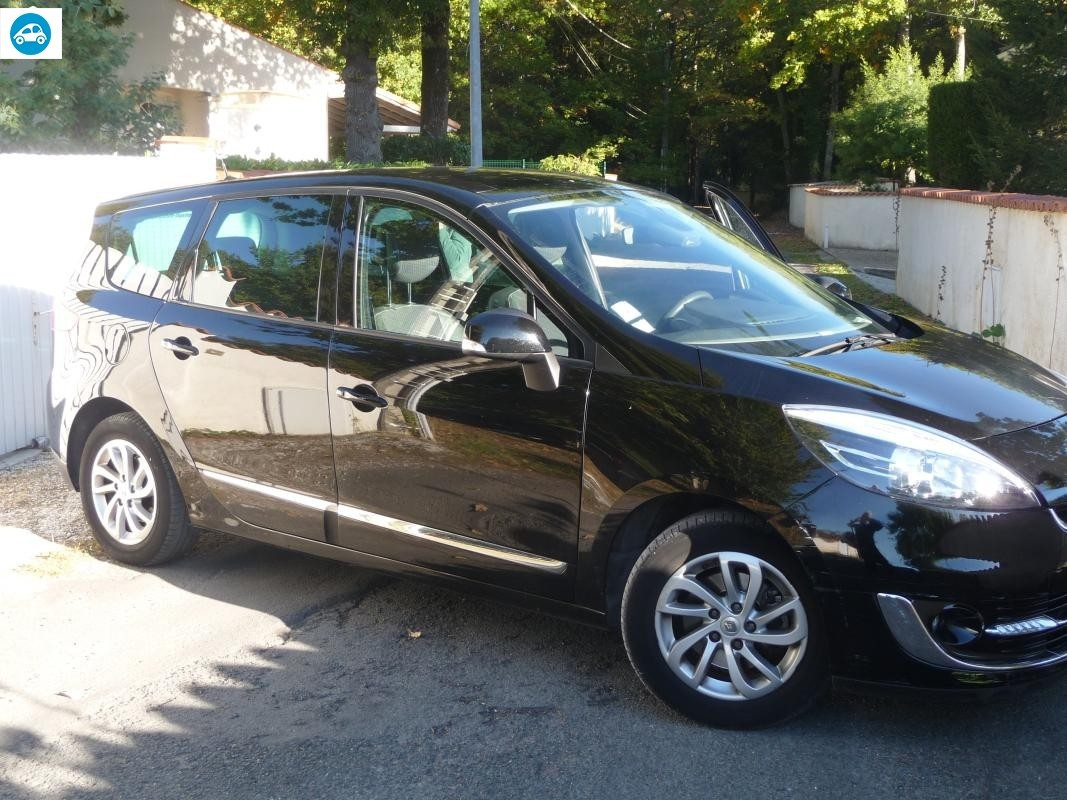 achat renault grand scenic iii 1 5 dci bose edition 2012 d 39 occasion pas cher 12 250. Black Bedroom Furniture Sets. Home Design Ideas