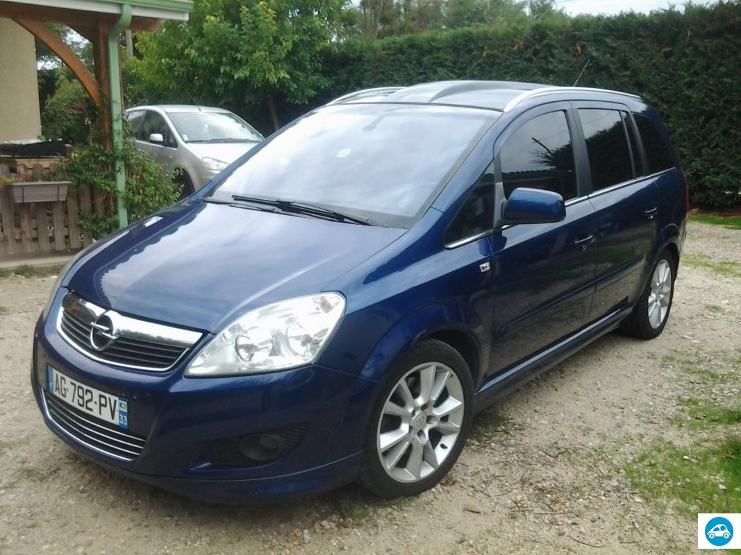 achat opel zafira 1 9 cosmo pack sport 2010 d 39 occasion pas cher 8 000. Black Bedroom Furniture Sets. Home Design Ideas
