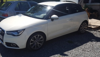 Audi A1 1.6 L TDI Ambition Luxe 2012