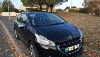 Peugeot 208 1.6 e-Hdi Feline 2014