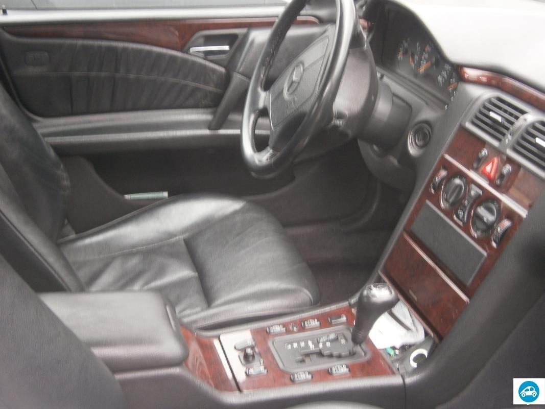 achat mercedes classe e 280 essence 1998 d 39 occasion pas. Black Bedroom Furniture Sets. Home Design Ideas
