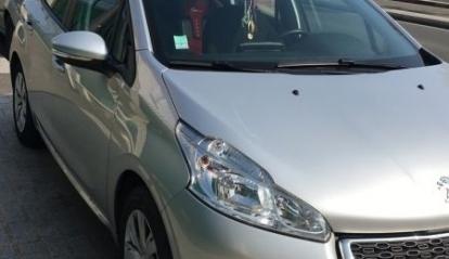 Peugeot 208 1.4 L 2013