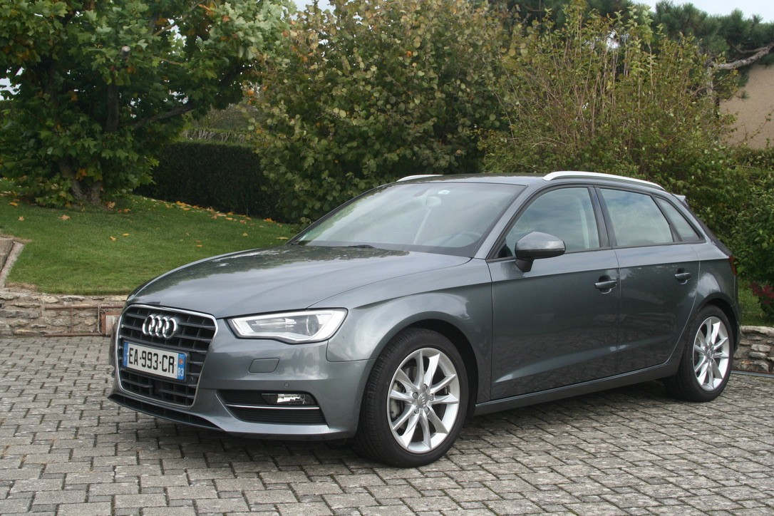 achat audi a3 sportback 1 4 tfsi ambition s tronic 2014 d. Black Bedroom Furniture Sets. Home Design Ideas