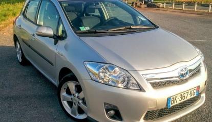Toyota Auris Hybride 136h Dynamic 17
