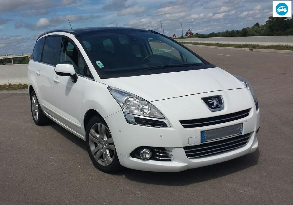 Peugeot 5008 1.6 HDI 112 CH Allure 2012