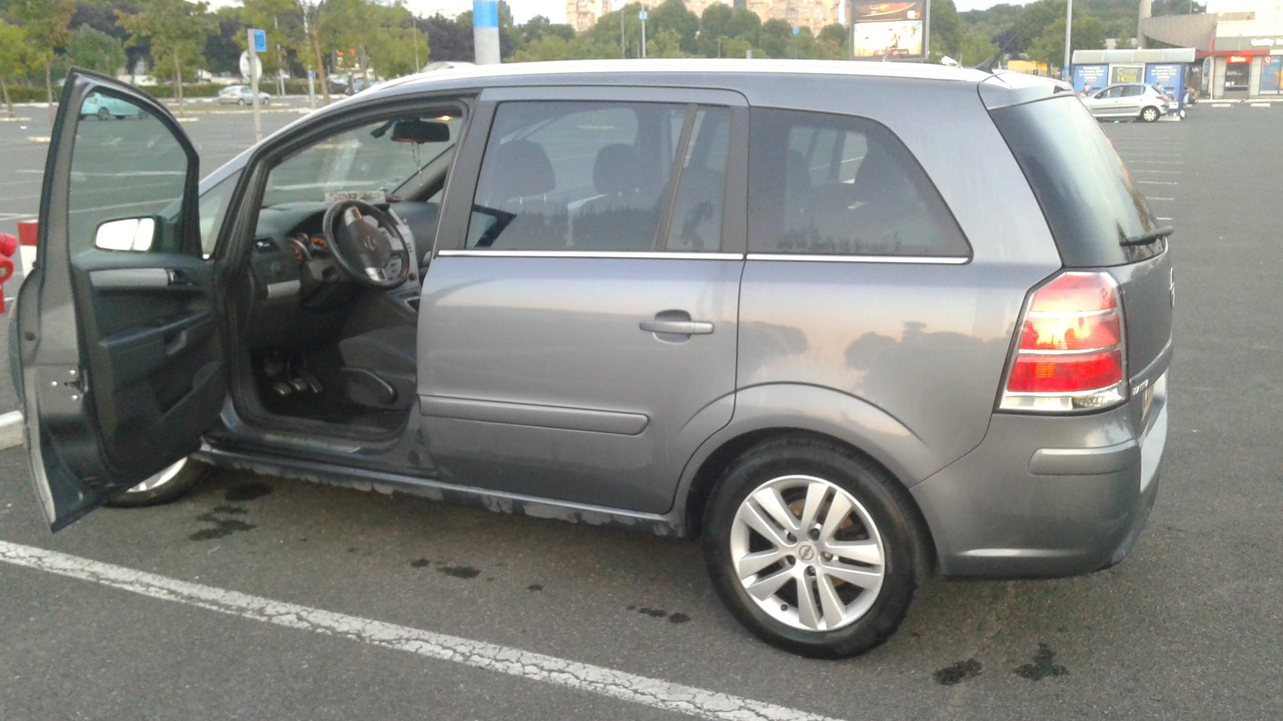 Opel Zafira B 1.9 CDTI Diesel Manuelle 2008 Villepinte