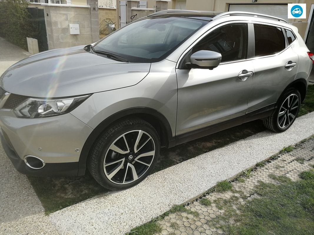 Nissan QASHQAI ESSENCE XTRONIC