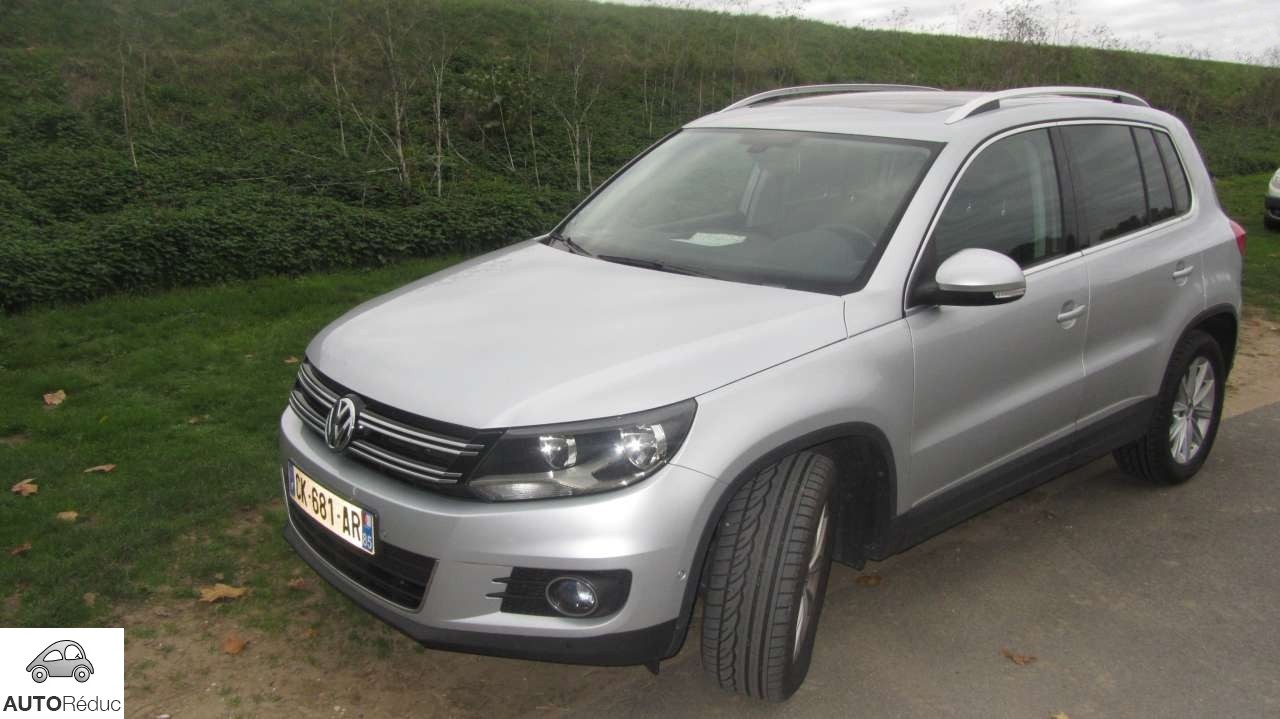 achat volkswagen tiguan 2 0 tdi bluemotion technology finition carat d 39 occasion pas cher 21 500. Black Bedroom Furniture Sets. Home Design Ideas