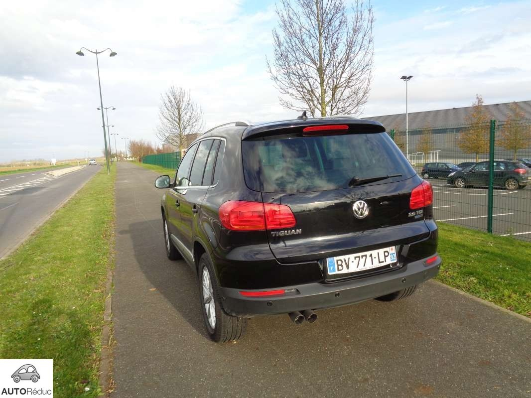 achat volkswagen tiguan 2 0 tdi bluemotion carat sportline d 39 occasion pas cher 22 450. Black Bedroom Furniture Sets. Home Design Ideas