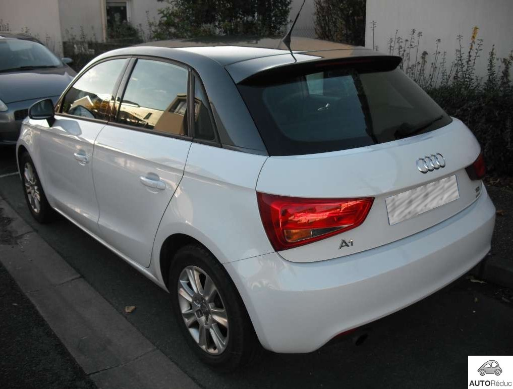 achat audi a1 1 6 tdi sportback ambition d 39 occasion pas. Black Bedroom Furniture Sets. Home Design Ideas