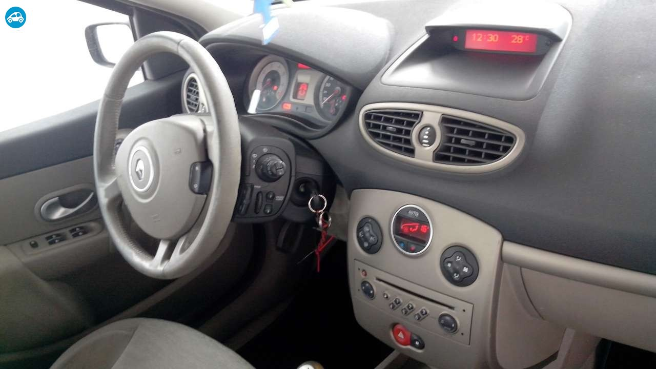 achat renault clio iii luxe privil ge 2005 d 39 occasion pas. Black Bedroom Furniture Sets. Home Design Ideas
