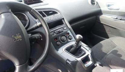Peugeot 5008 2.0 hdi 150cv premium + GPS