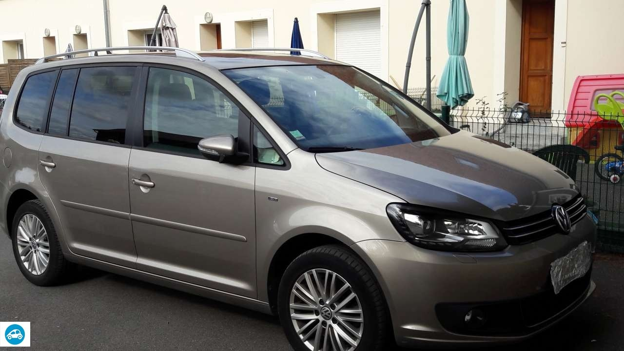 achat volkswagen touran 2 1 4 tsi 2014 d 39 occasion pas cher 19 000. Black Bedroom Furniture Sets. Home Design Ideas