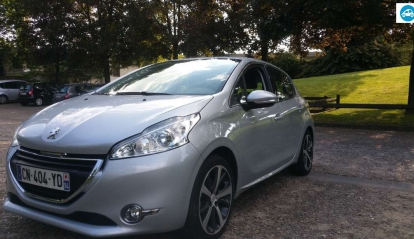Peugeot 208 1.6 e-HDI Finition Felline 2012