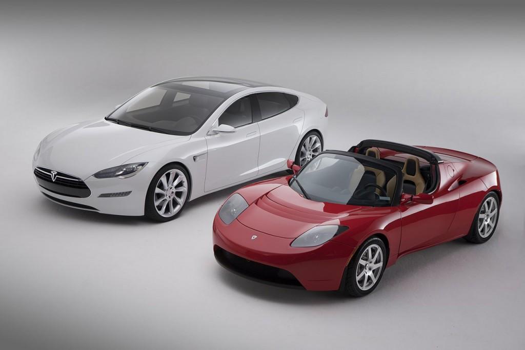 La Model S est la deuxième voiture de Tesla, après la sportive Roadster, une copie électrique de la Lotus.