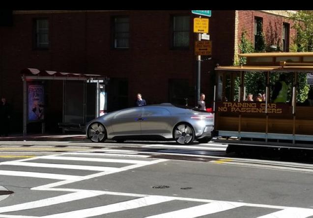 Mercedes réinvente le marketing automobile