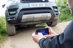 Une Range Rover conduite avec un Smartphone !