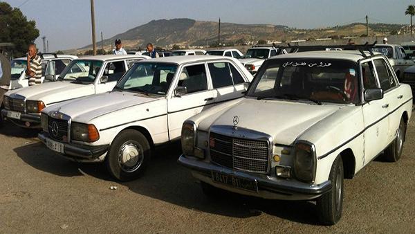 L'indestructible Mercedes 240D toujours en service ici à Nador en tant que taxi-collectif dénommé Grand Taxi.