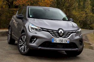 Renault CAPTUR NOUVEAU BLUE DCI 115 EDC BUSINESS