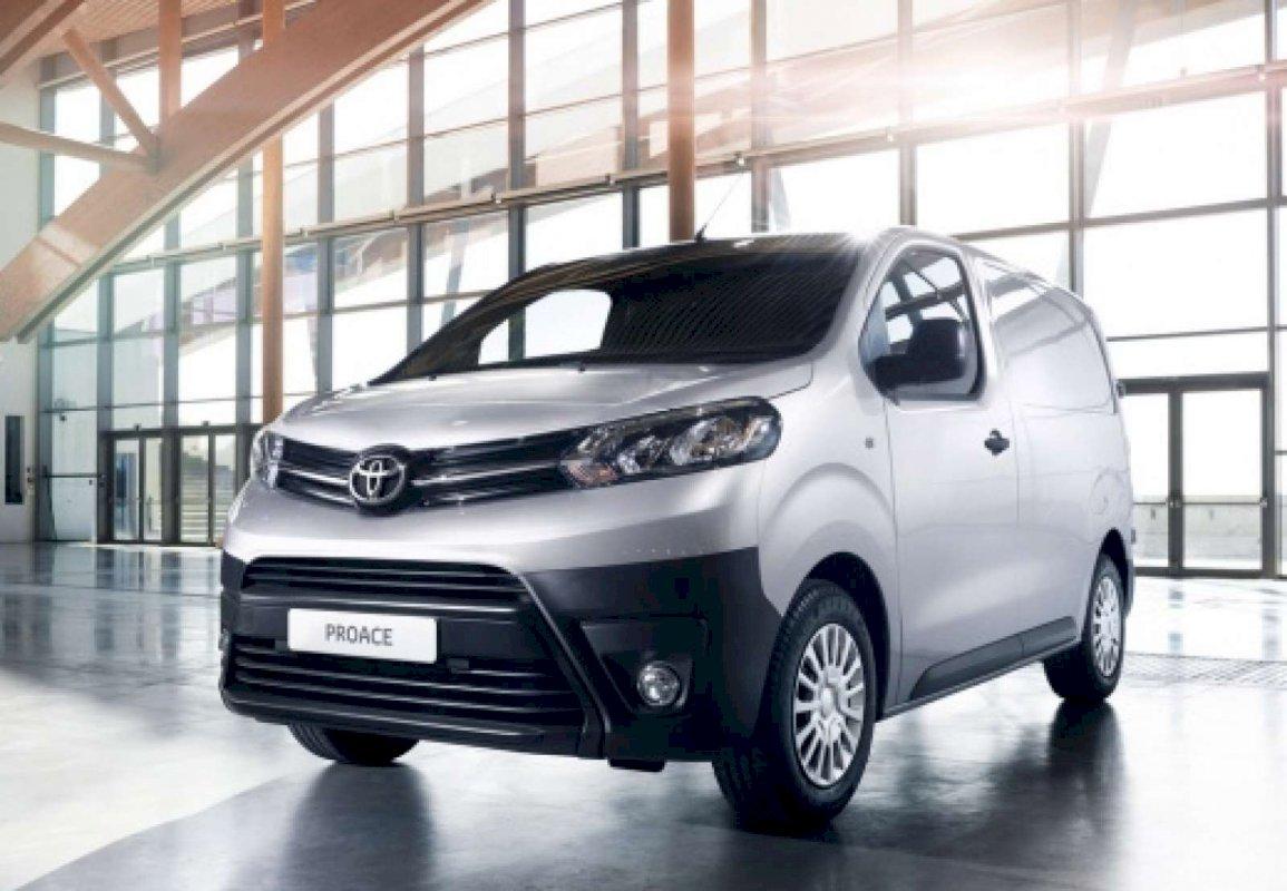 Assurance auto pas chère pour la Toyota Proace Fourgon