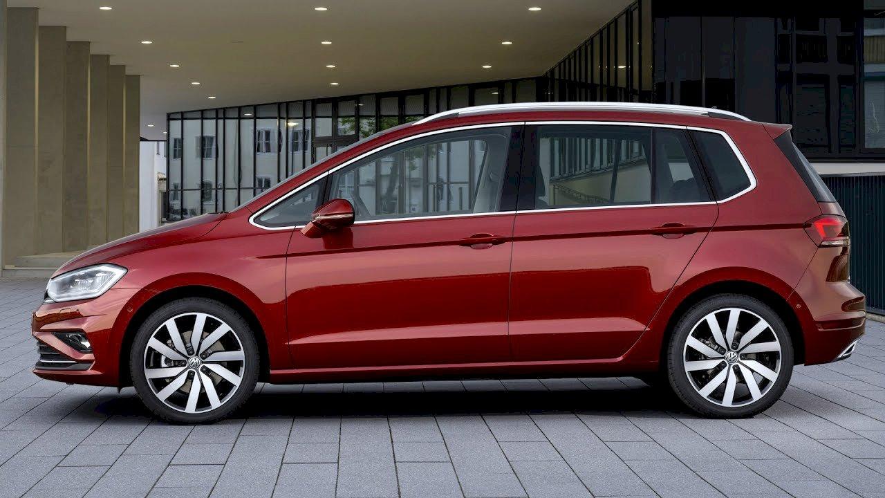 5 offres de volkswagen golf sportsvan au meilleur prix du march partir de 21 999. Black Bedroom Furniture Sets. Home Design Ideas
