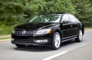 VOLKSWAGEN PASSAT 1.6 TDI105 BlueMotion Technology Confortline