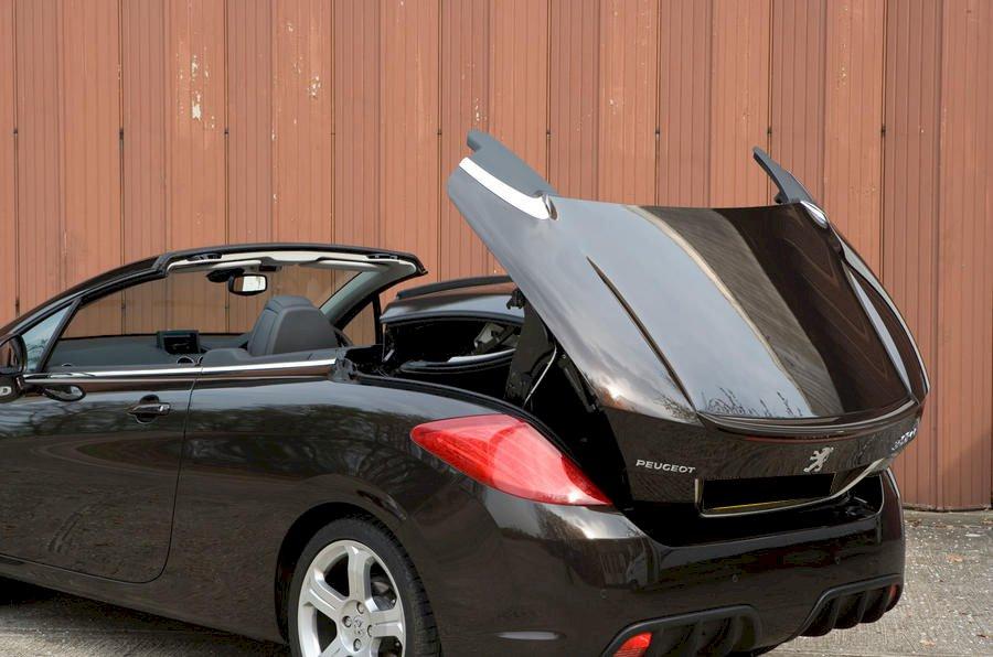 8 offres de peugeot 308 cc au meilleur prix du march partir de 29 475. Black Bedroom Furniture Sets. Home Design Ideas