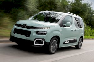 CITROEN Berlingo Multispace BlueHDi 120 S&S BVM6 Shine Gris Shark + Caméra de recul + Roue de secours avec options