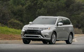 Mitsubishi Outlander Navi 2.2 Di-D 150 2WD Intense AT