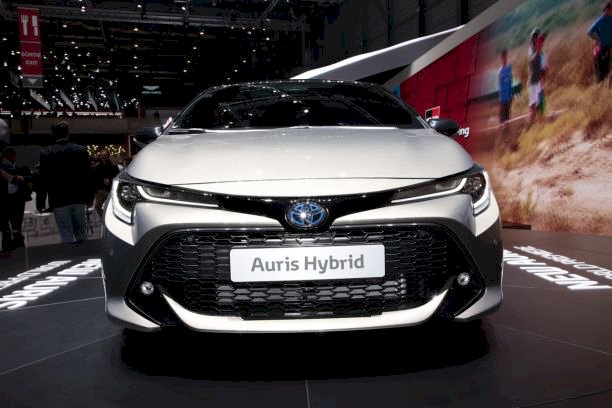 Toyota Nouvelle Auris 1.8 Hybrid 136 Ch E-CVT Design